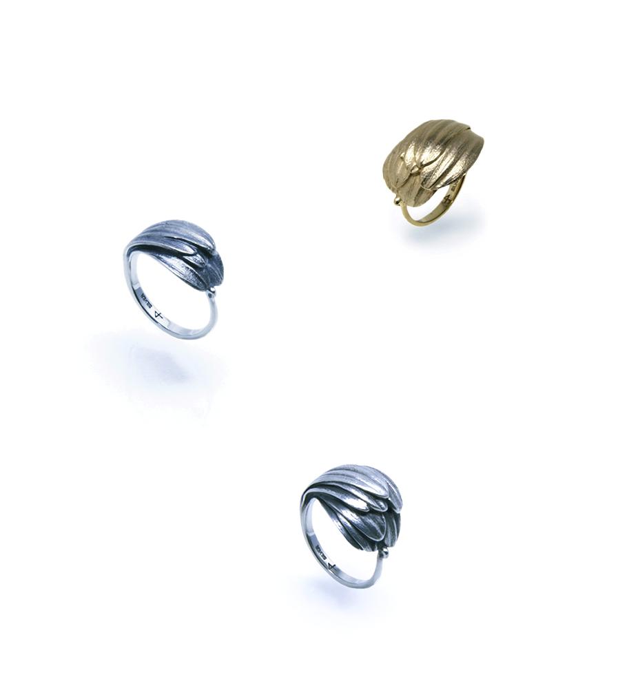 towoto Botanical Jewelry  - Gerbera Ring   -