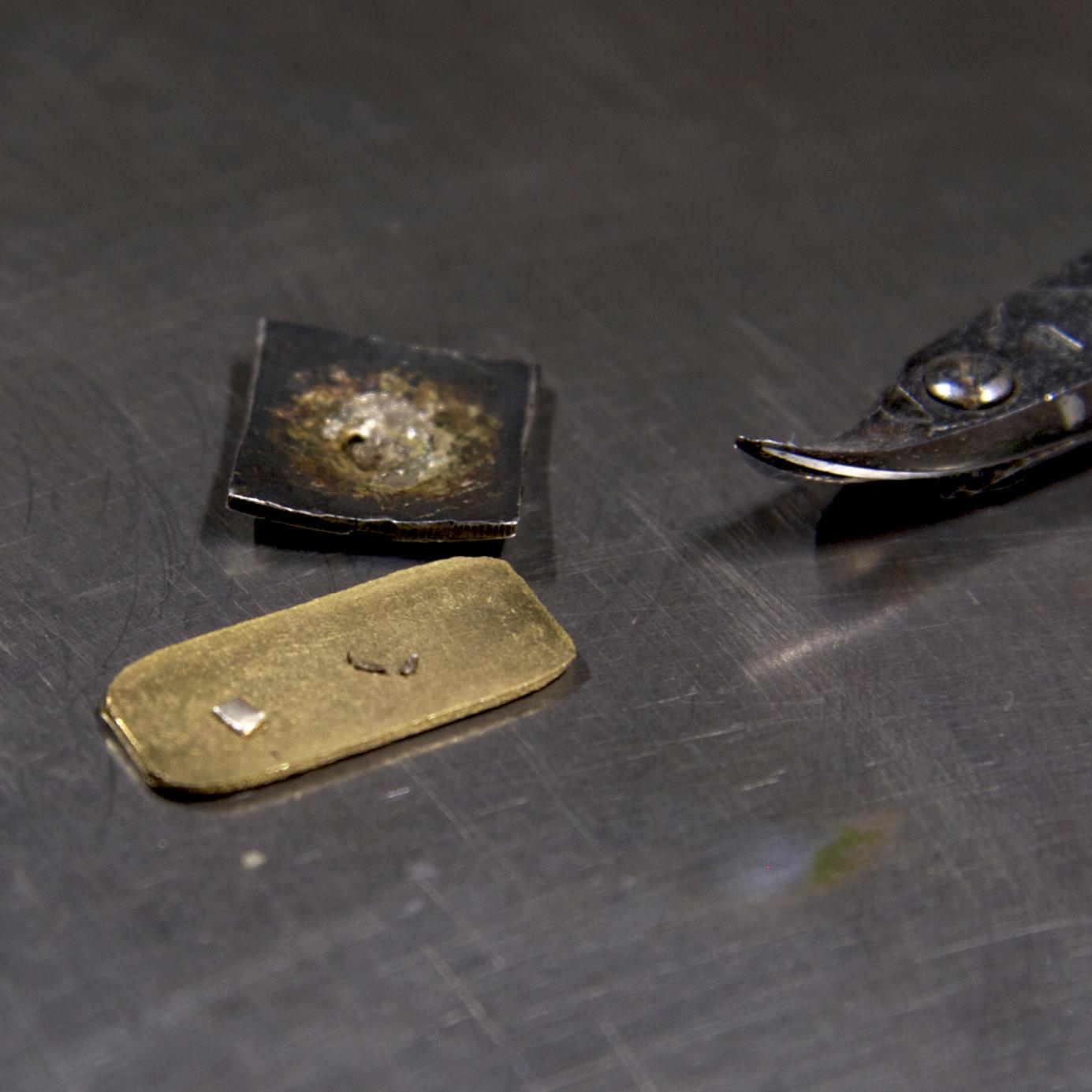 目釘金具の修理 1